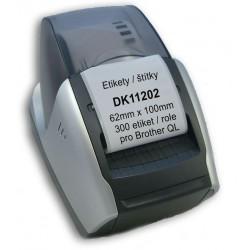 Etikety / Štítky DK11202 62mm x 100mm, 300 etiket / role,  kompatibilní pro Brother QL, bílé s držákem